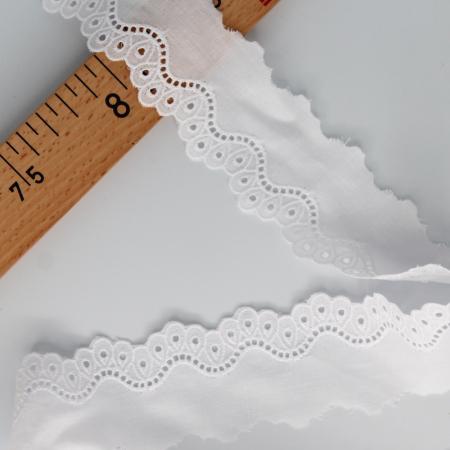Galon coton broderie anglaise brodé 40mm x 1m