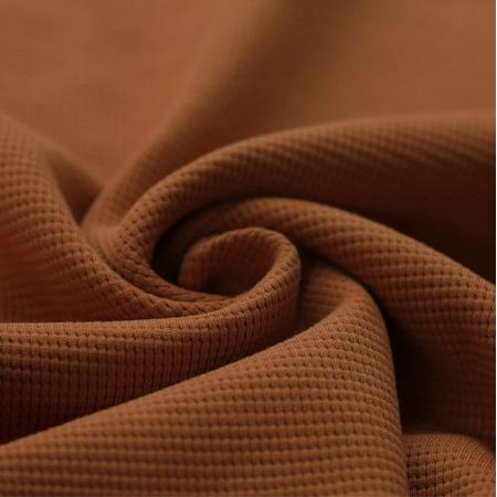 Jersey gaufré coloris roux écureuil