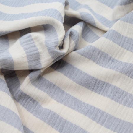 Double gaze de coton rayée écru et bleu poudré chiné